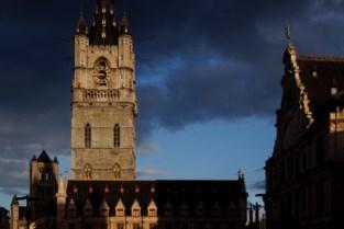 """Het belfort van Gent is dringend aan herstelling toe: """"Het schilderwerk bladdert af"""""""