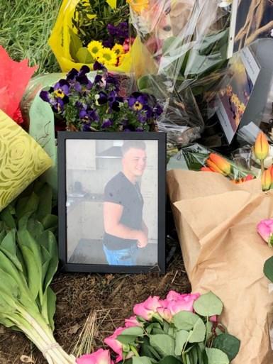 Vrienden herdenken Tibau (18) na ongeval in Lille, dronken bestuurder (21) blijft aangehouden