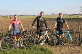 """Paar maanden geleden pas koersfiets gekocht en nu fietsen drie vrienden Ronde van Vlaanderen: """"We willen andere jongeren inspireren"""""""