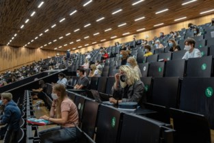 UGent beslist: cursussen en examenvragen doorgeven mag niet meer zomaar, eigen notities wel