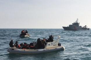 Acht verdachten in de cel voor mensensmokkel met bootjes