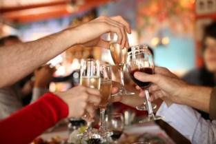 """Twintigers slaan man kaakbreuk tijdens feestje: """"Dit had fataal kunnen zijn"""""""