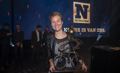 """Sofie De Vuyst hangt haar fiets aan de haak en doet haar verhaal over strijd tegen positieve dopingtest: """"Ik sta recht in mijn schoenen"""""""