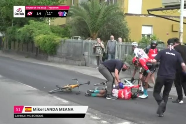 """Was finale in de Giro te gevaarlijk? """"We hebben vandaag een wereldrecord rotondes nemen verbroken"""""""