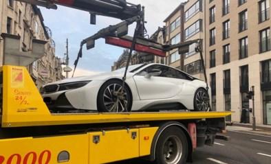 Rondrijden in luxewagen zonder rijbewijs