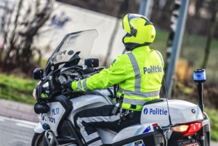 Politie organiseert verkeerscontrole op Steenplein