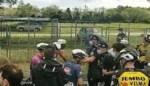 Ploegmakkers van Groenewegen en Viviani boos op Gianni Vermeersch na sprintetappe in de Giro