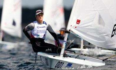 Olympische medaillekandidate Emma Plasschaert aan de leiding na eerste dag van Ilca Coach Regatta