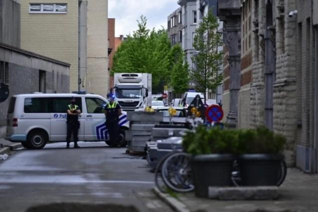 Politie lokt drugssmokkelende gevangene in de val met vals pakketje