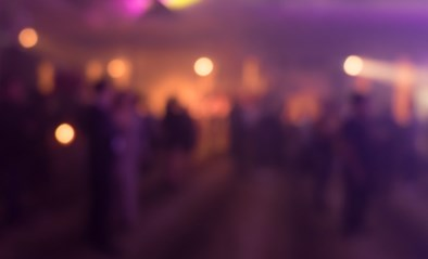 Verraden door geparkeerde wagens: 39 pv's voor verjaardagsfeestje van steenrijke ondernemer