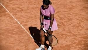 Mijlpaal in mineur: Serena Williams toont mooi tennis op gravel, maar verliest 1.000ste wedstrijd uit carrière