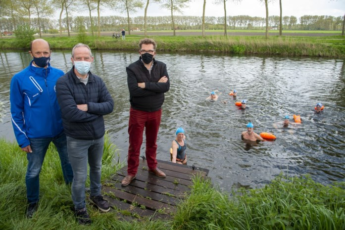 Met 700 de Damse vaart in: openluchtzwemmen boomt