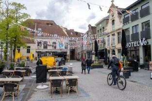 Barman staat terecht voor klappen aan Nederlanders