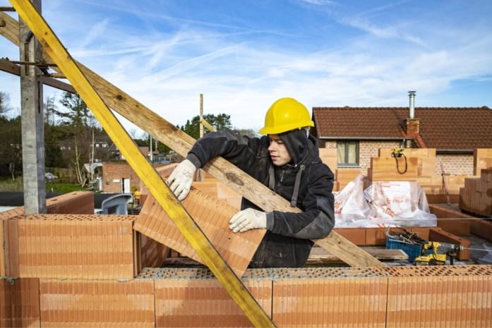 400.000 nieuwe woningen erbij voor maar 235.000 huishoudens: hoe kan dat en gaan de prijzen nu zakken?