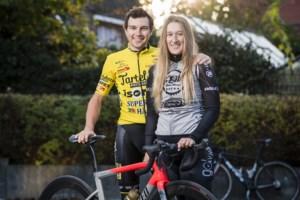 """Lennert Teugels gelauwerd terug uit Rwanda: """"Ik verzamel liever truien dan UCI-punten"""""""