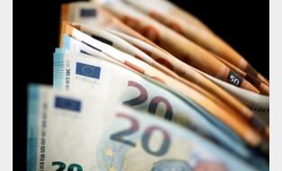 Man shopt met online gekocht vals geld