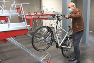 Negentig nieuwe fietsplaatsen aan heropende Peperholleken