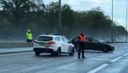 Snelweg tijdlang versperd door ongeval aan Klaverblad Lummen
