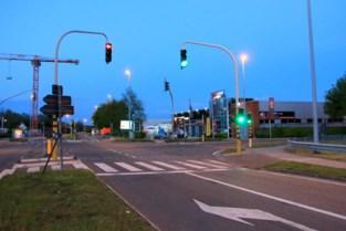 Fietsster (61) in levensgevaar na ongeval met vrachtwagen aan Lozen Boer