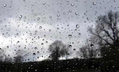 """KMI waarschuwt: """"Code geel voor onweer, intense regen en hagel in het hele land"""""""