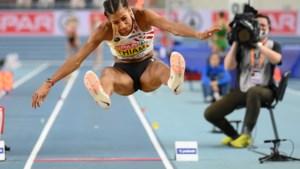 Nafi Thiam test zich op pinkstermaandag in Tilburg in het verspringen en de 100m horden