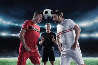 """Erik Van Looy en Pedro Elias leven zich uit als teamkapitein in EK-quiz 'Match van de waarheid': """"We voelen ons net in de speeltuin, met Gilles De Coster als onze kleuterleider"""""""