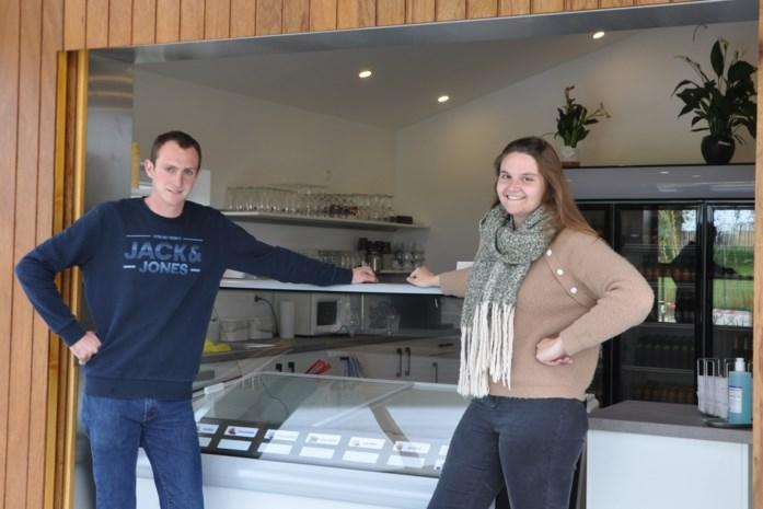 Primeur voor Mathias en Nele in Glabbeek: M'N is eerste ijssalon van de gemeente