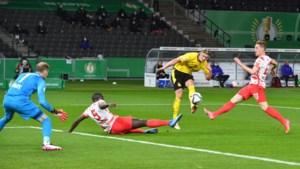 Erling Haaland maakt tegenstander belachelijk in Duitse bekerfinale, Dortmund wint ruim van Leipzig