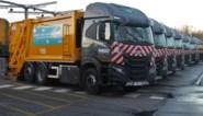 """Twee vuilniswagens botsen op elkaar: """"Eén chauffeur negeerde een rood licht"""""""