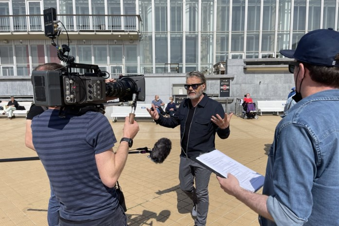 Marcel Vanthilt en Olga Leyers brengen met 'Terras Marcel' ode aan de Oostendse terrasjes