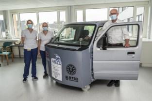AZ Delta leert patiënten opnieuw in en uit auto stappen