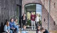 Knappe cohousing: drie gezinnen verbouwden deze boerderij tot hun woonerf