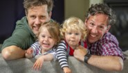 """Gemeente weigert homokoppel te erkennen als vaders, maar vraagt hen wel om 'gaybrapad' in te huldigen: """"Hoe hypocriet kan je zijn?"""""""