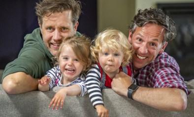 Gemeente weigert homokoppel te erkennen als vaders, maar vraagt wel om 'gaybrapad' in te huldigen