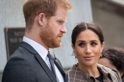 """Prins Harry stort hart uit in podcast over jeugd en Britse hof: """"Een mix van 'The Truman Show' en leven in een zoo"""""""