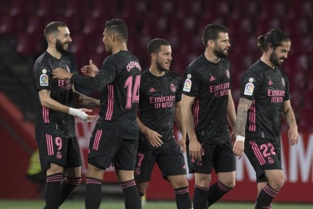 Real Madrid, met Eden Hazard als invaller, wint makkelijk bij Granada en blijft in de titelstrijd