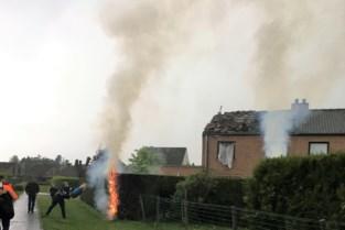 """Blikseminslag rijt woning uiteen: """"Toen we frigo openden, sprongen de vlammen eruit"""""""