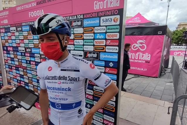 """Wat verwachtte Remco Evenepoel van de achtste Giro-rit? """"Een vluchtersrit en weinig beweging in het klassement"""""""