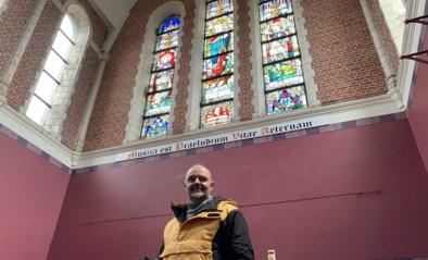 """""""Deze kerk wordt de mooiste puzzelwinkel van de wereld"""""""