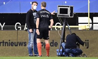 Dan is de VAR eens op tijd: communicatie met veldref werkt niet tijdens Anderlecht-Genk