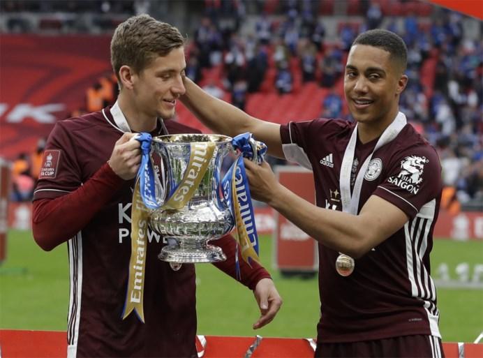 """Youri Tielemans is met weergaloos doelpunt grote held bij Leicester: """"Ik kreeg een berichtje dat zei dat ik in de bovenhoek moest mikken"""""""
