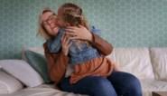 """Jacqueline lag tien weken in coma en werd wakker als moeder: """"Ik dacht dat ik meteen liefde ging voelen, maar dat was niet zo"""""""