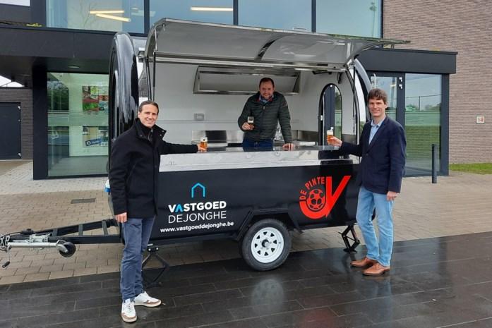 "Voetbalclub investeert in mobiele kantine: ""Sneller en coronaproof"""