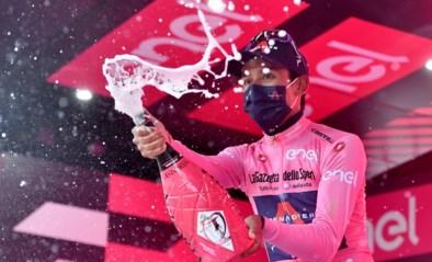 """Egan Bernal in tranen na eerste ritzege in grote ronde en roze trui: """"Ik heb hier veel voor opgeofferd"""""""