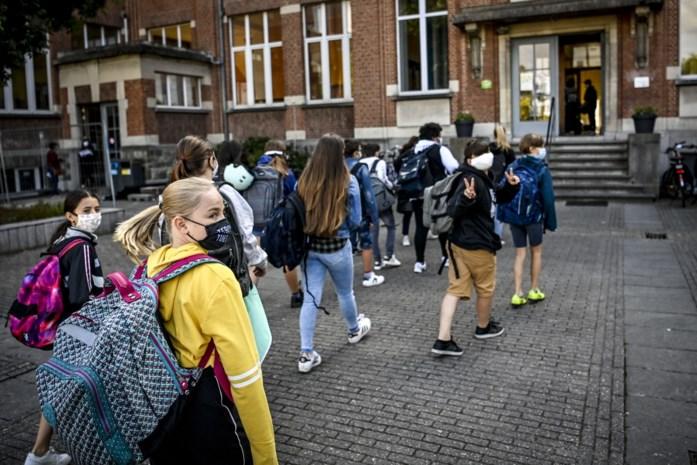 """Meer leerlingen op school, en toch stilaan minder besmettingen: """"Mondmaskers doen hun werk"""""""