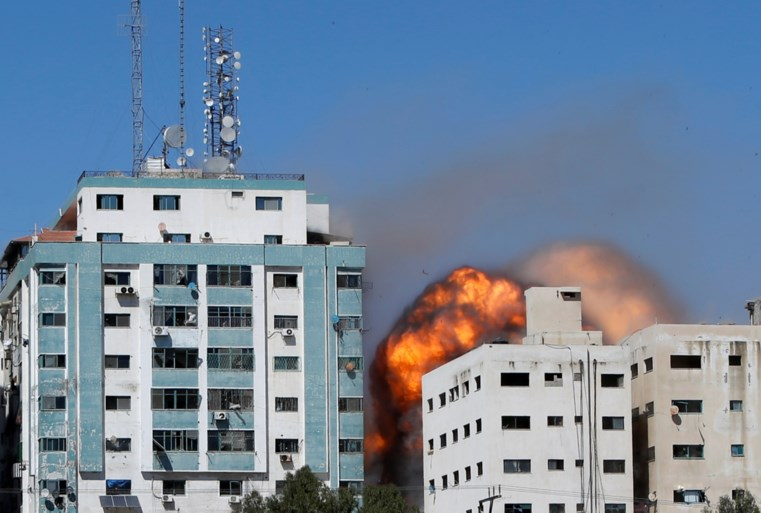 """AP-journalist was in flatgebouw in Gaza toen telefoon rinkelde: """"Je hebt tien minuten, vertrek nu"""""""