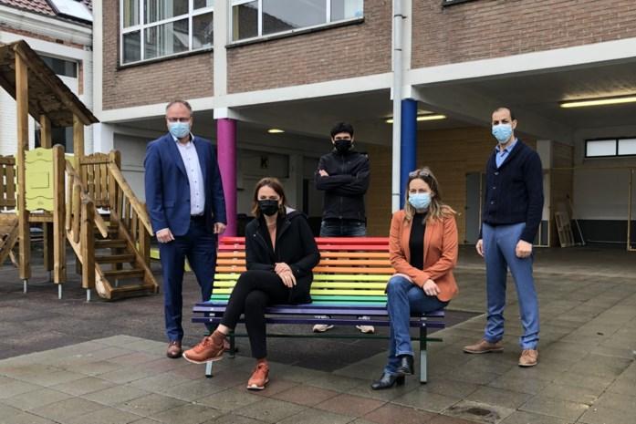 Regenboogbank voor alle scholen