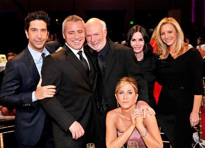 Release 'Friends'-reünie eindelijk bekend, eerste trailer licht tipje van sluier op