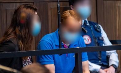 """Man met blauwe jas geeft geen krimp op proces Sofie Muylle, zelfs niet tijdens beklijvende beschrijving: """"Kijk, ze is helemaal bevroren"""""""