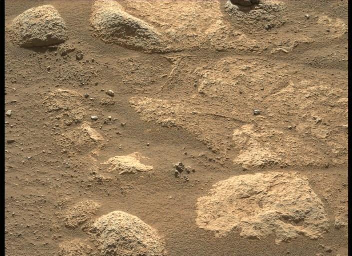 Marsrover stuurt nog meer indrukwekkende foto's door van de rode planeet